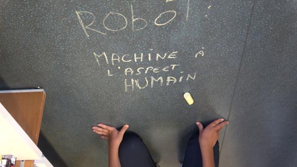 Humains augmentés, robots diminués